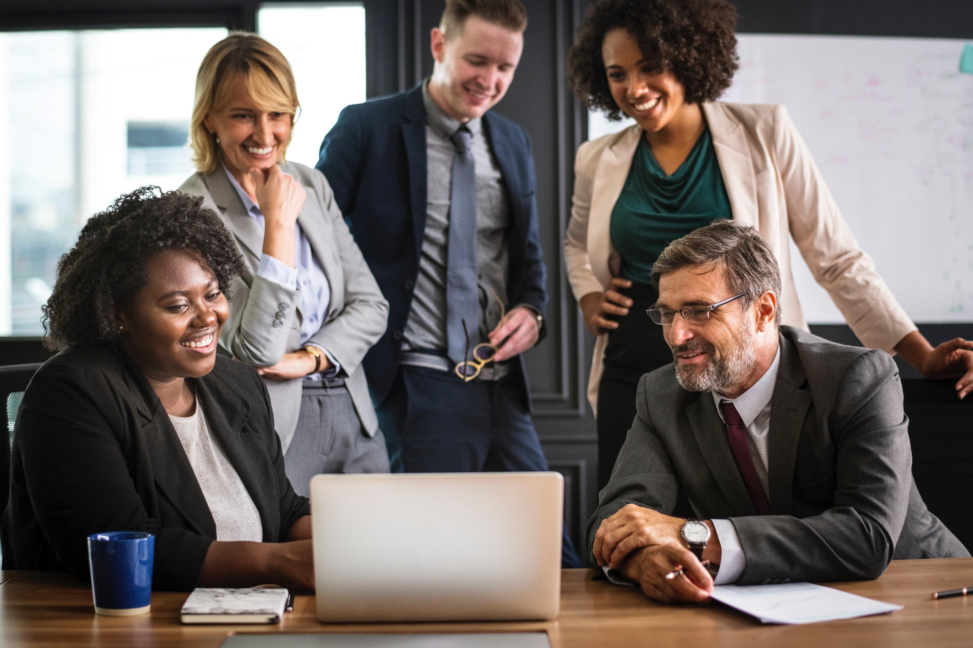 職場での円滑なコミュニケーションを促す為の前提とその方法。